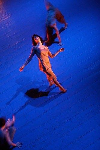 LIZZ ROMAN + DANCERS